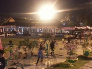 Lapangan Merdeka di waktu malam