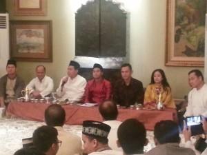 diskusi pasca bukber di rumah Anindya Bakrie