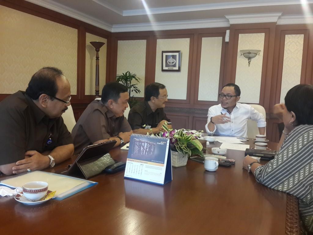 Menteri Hanif rapat dengan staf khusus