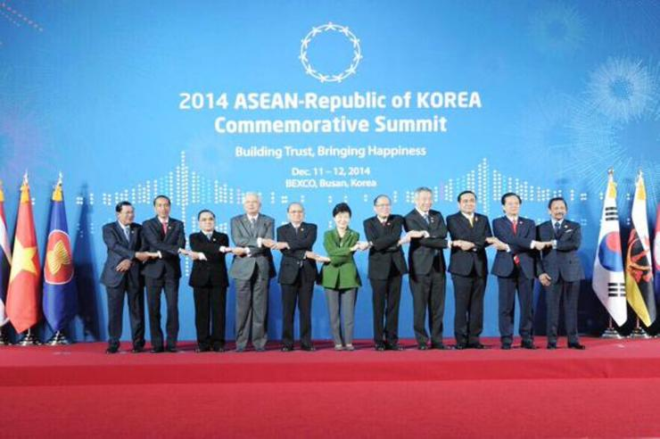 Presiden Jokowi menghadiri 2014 ASEAN-Republic of Korea Commemorative Summit di Busan, Korea Selatan. Foto oleh Setkab.go.id