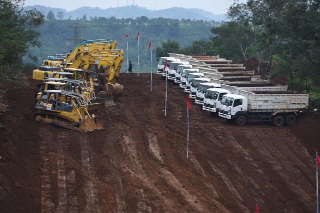 Lokasi 'groundbreaking' pembangunan Kereta Cepat Jakarta-Bandung di Cikalong Wetan, Bandung Barat, Jawa Barat, pada 21 Januari 2016. Foto oleh Hafidz Mubarak/Antara