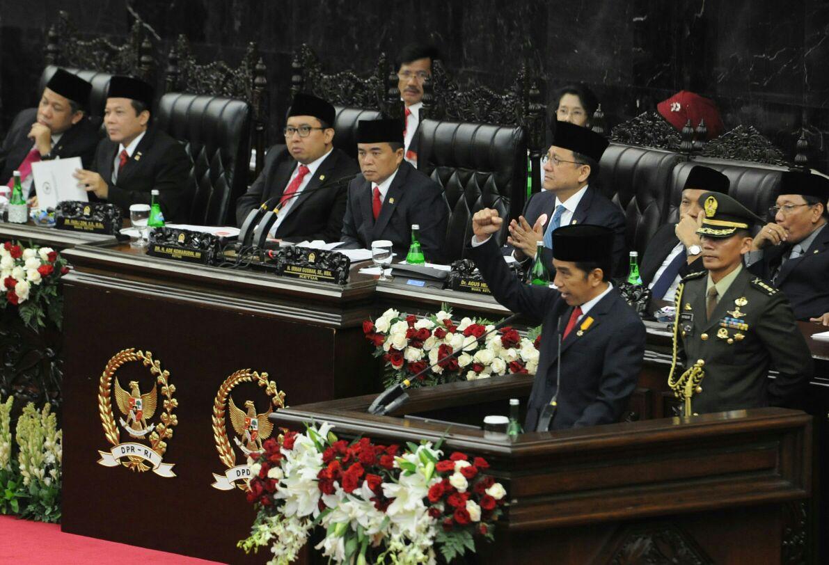 Presiden Jokowi di depan anggota DPR. Sumber foto: setkab.go.id